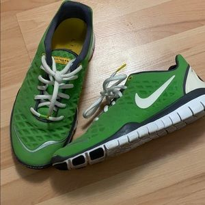 Nike Free Live Strong Sneaker Trainers Sz 7.5